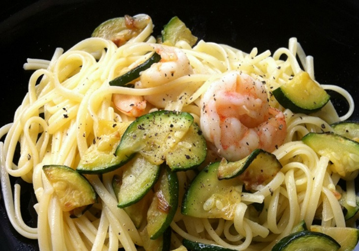 linguine-with-shrimps-and-zucchini